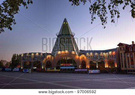 Trade, business center, guest-house, Khanty-Mansiysk, Yugra