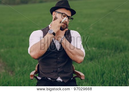 man care his beard