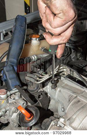 Motor mechanic fixes