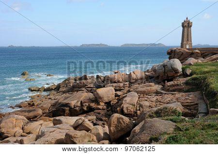 France, The Lighthouse Of Ploumanac H In Bretagne