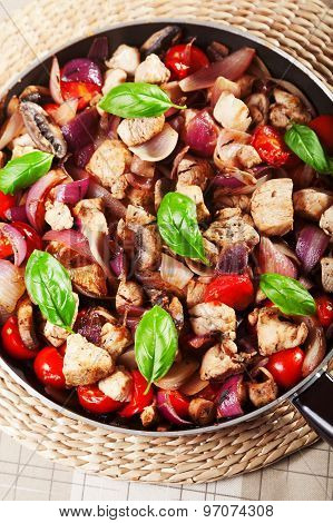 Chicken With Onion And Cherry Tomatos