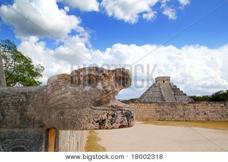 Chichen Itza Jaguar and Kukulkan Mayan temple pyramid Mexico Yucatan