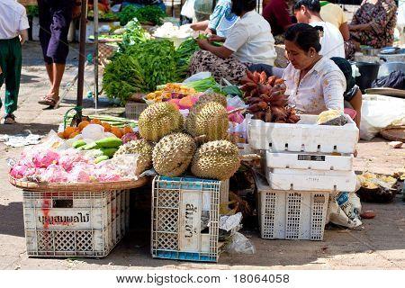 YANGON, MYANMAR - JAN 31: Roadside vegetable stalls selling fresh produce on January 31, 2010 in Myanmar (Burma). A popular market place of Yangon.