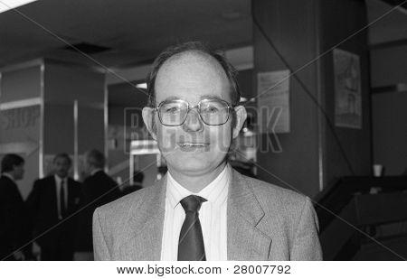 BRIGHTON, Inglaterra-octubre 1: Chris Mullin, trabajo parlamentario para Sunderland sur, visitas