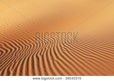 Freakish bends of sandy waves on sandy dunes of the USA