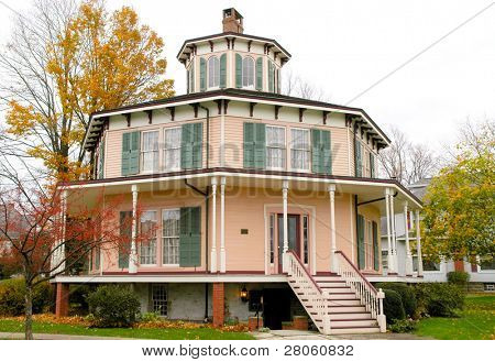 Rich-Twinn Octagon House