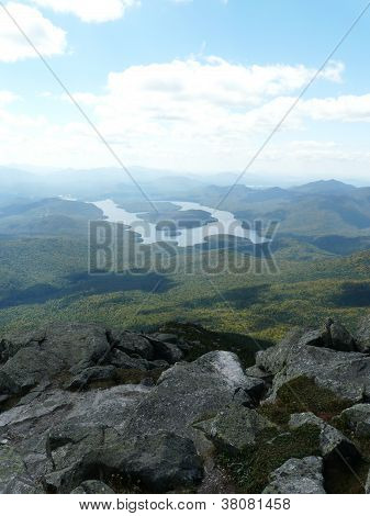 Vista do Lago Placid de Whiteface Mountain, Adirondacks, NY, EUA