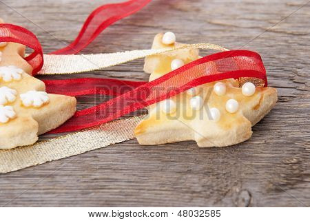 Christmas Cookies With Ribbon