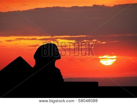Sphinx  And Pyramid Silhouette