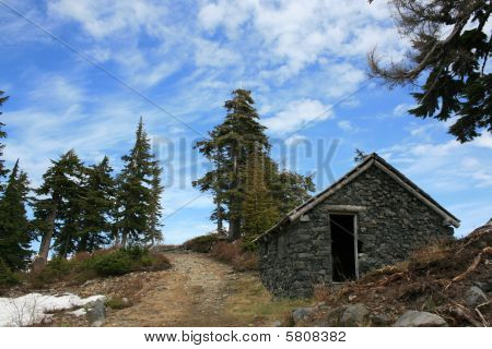 A stone shack in the middle of no where