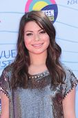 Miranda Cosgrove at the 2012 Teen Choice Awards Arrivals, Gibson Amphitheatre, Universal City, CA 07
