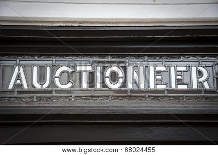 Auctioneer sign