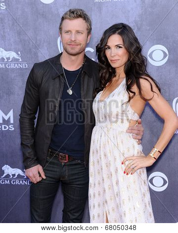 LOS ANGELES - APR 06:  Dierks Bentley & Cassidy Black arrives to the 49th Annual Academy of Country Music Awards   on April 06, 2014 in Las Vegas, NV.