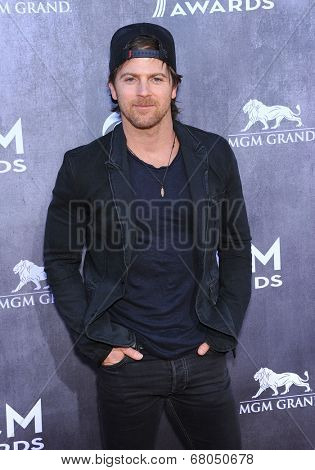 LOS ANGELES - APR 06:  Kip Moore arrives to the 49th Annual Academy of Country Music Awards   on April 06, 2014 in Las Vegas, NV.