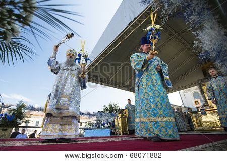 TIKHVIN, RUSSIA - JULY 9, 2014: Bishop and Tikhvin Lodeinopolskiy Mstislav celebrate Orthodox divine Liturgy on the occasion celebrations of the return of the Tikhvin icon of the Mother of God.