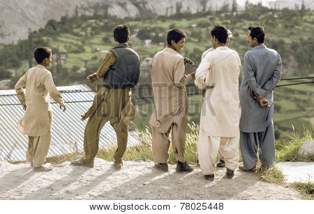 Pakistani Men Atkarakoram Highway In Local Dress Watch The Valley