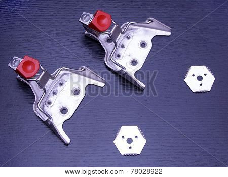 Ski Bindings Sport Vintage Metal Mounts Fasteners Snow Cross Country