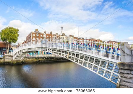 Ha Penny Bridge In Dublin