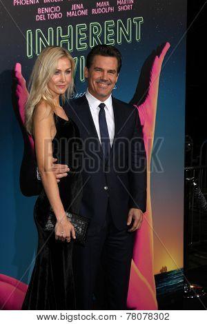 LOS ANGELES - DEC 10:  Kathryn Boyd, Josh Brolin at the