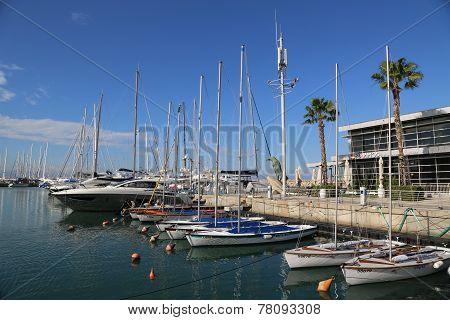 Sailing yachts in Herzliya Marina