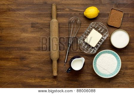 baking background with eggshell and rolling pin