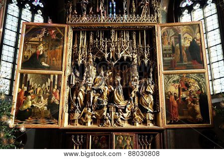 ST. WOLFGANG, AUSTRIA - DECEMBER 14: Main altar in Parish church in St. Wolfgang on Wolfgangsee in Austria on December 14, 2014.