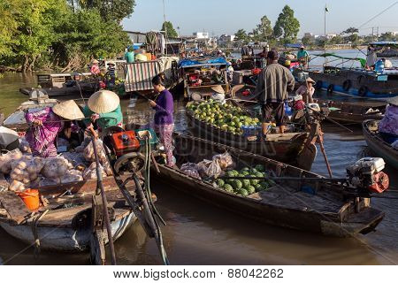 CAN THO, VIETNAM, DECEMBER 12, 2014:Daily activity at the Phong Dien floating market on the Mekong river in Can Tho city, Vietnam.