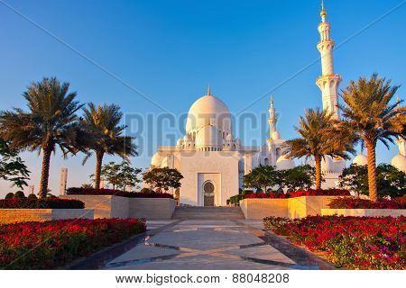 Abu Dhabi, United Arab Emirates - January 4: Sheikh Zayed Grand Mosque, On January 4, 2014 In Abu Dh