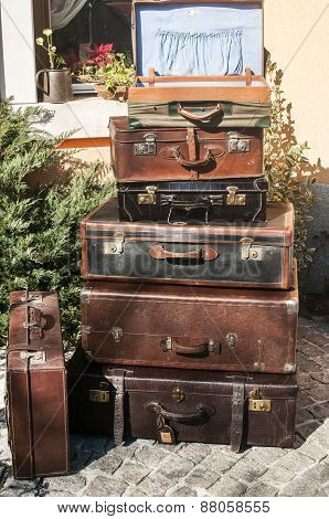 Old vintage used leather suitcases