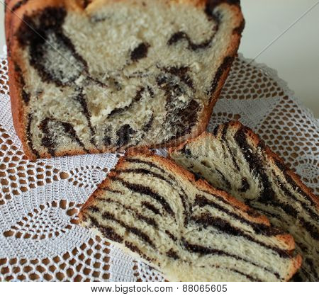 Cake with poppy seeds