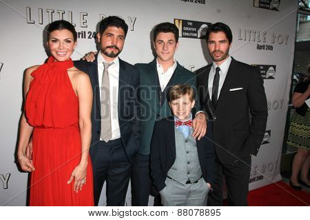 LOS ANGELES - FEB 14: Ali Landry, Alejandro Gomez Monteverde, David Henrie, Jakob Salvati, Eduardo Verastegui at the
