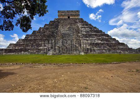 El Castillo Quetzalcoatl