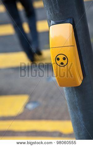 Audible pedestrian signal