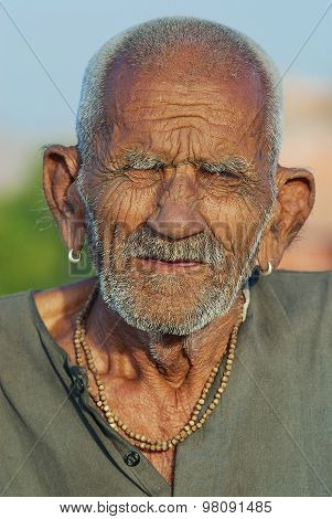 Portrait of unidentified old hindu monk in Jaipur, India.