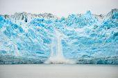 Постер, плакат: Glacier Calving Natural Phenomenon