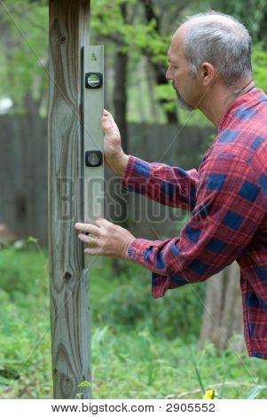 Man Leveling Post
