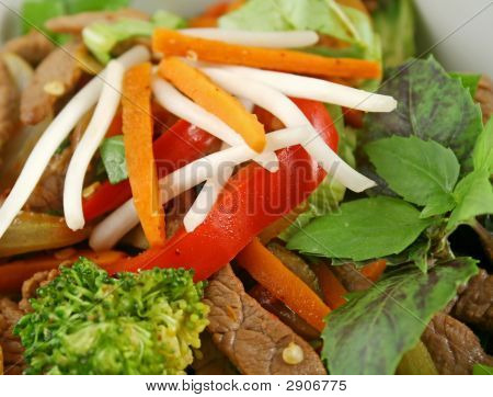 Stirfry Vegetables And Beef