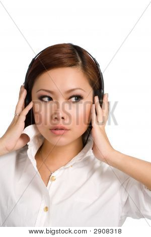 Whats That I Hear In My Headphones