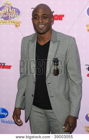 BURBANK - NOV 10: Wayne Brady at the premiere of Disney Channels' 'Sofia The First: Once Upon a Princess' at Walt Disney Studios on November 10, 2012 in Burbank, California