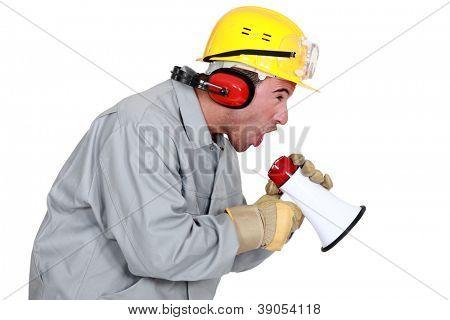 Trabalhador em loudhailer
