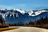 picture of rocky-mountains  - taking in canada - JPG