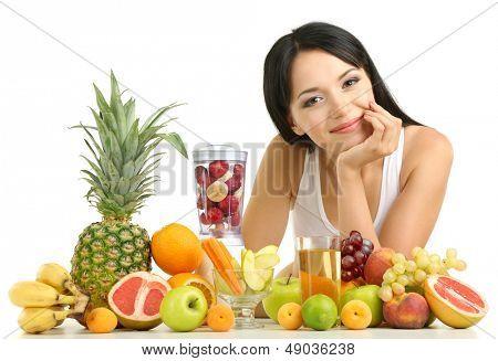 Mädchen mit frischen Früchten, isolated on white