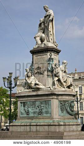 Statua Cavour