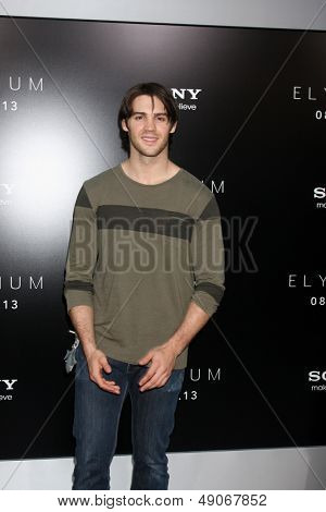 LOS ANGELES - AUG 7:  Steven R. McQueen arrives at the