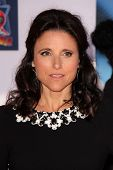 LOS ANGELES - AUG 5:  Julia Louis-Dreyfus arrives at the