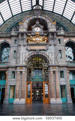Antwerp Central interior