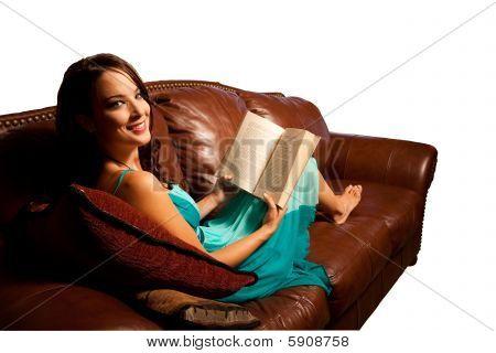Sofa mit Beschneidungspfad lesen