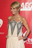 LOS ANGELES - JAN 24:  Kristin Chenoweth at the 2014 MusiCares Person of the Year Gala in honor of C