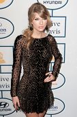 BEVERLY HILLS, CA. - JANUARY 25: Taylor Swift arrives at the Clive Davis and The Recording Academy a