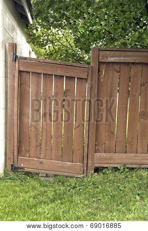 Sagging Gate